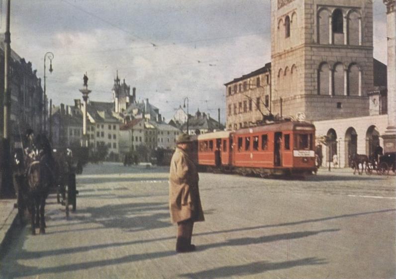 Warsaw_1939_Krakowskie_Przedmiescie_photo